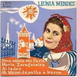 UMA SALOIA EM PARIS